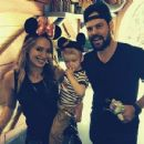 Hilary Duff and husband Mike Comrie take son Luca to Disneyland on Dec. 27, 2013 - 454 x 430