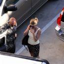 Jennifer Aniston - Beverly Hills Candids, 27.10.2008.