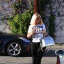 Black Chyna at a hair salon in Studio City - 454 x 613