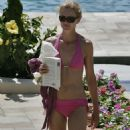 Joan Allen - Bikini at the Beach. Posted 2 years ago by bubblesam