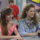 Elizabeth Berkley as Jessie Spano in Saved by the Bell - 454 x 340