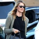 Laura Dern – Out and about in Los Angeles - 454 x 609