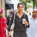 Katie Holmes shopping on Madison Ave in NYC - 454 x 532