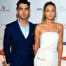 Joe Jonas and Gigi Hadid - 435 x 580