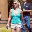 Britney Spears in Shorts – Heads to dentist in LA - 454 x 754