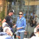 Gal Gadot – Steps Out With Husband Yaron Varsano in Israel 1/1/ 2017 - 454 x 681