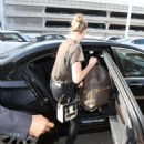 Kate Upton Arrives at LAX Airport in Los Angeles