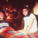 Jason Lee (Brodie Bruce) and Shannen Doherty (Rene Mosier), Mallrats 1995 - 454 x 324