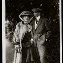 Ellen Terry and James Carew - 353 x 528