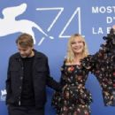 Kirsten Dunst – Woodshock photocall at the 2017 Venice Festival - 454 x 302