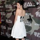 Jessica Pare – 'SEAL Team' Premiere in Los Angeles - 454 x 684
