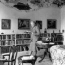 Agatha Christie - 275 x 326
