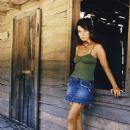 Lisa Sheridan as Larkin Groves in Invasion (2005) - 454 x 605