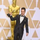 Sam Rockwell At The 90th Annual Academy Awards - Press Room (2018) - 400 x 600