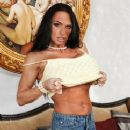 Lisa Lipps - 242 x 343