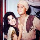 Mary Ann Mobley, Elvis Presley - 454 x 452