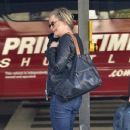 Amy Poehler is seen arriving at LAX airport - 369 x 594