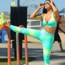 Suelyn Medeiros Working Out In La