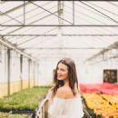 Hailey Outland Photographer Sofia Huq - 454 x 605