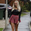 Amber Turner in Mini Skirt – Out in Brentwood - 454 x 702