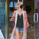Nicky Hilton – Shopping at Kitson Kids in West Hollywood - 454 x 681