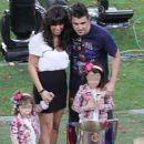 Villa Gonzalez family - 454 x 390