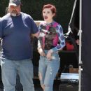 Bella Thorne – Visits 'Extra' at Universal Studios Hollywood in Universal City
