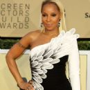 Mary J. Blige – 2018 Screen Actors Guild Awards in Los Angeles - 454 x 678