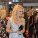 Pamela Anderson Fur Fur Fashion Show In Vienna