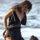 Zuleyka Rivera on holiday in Capri - 454 x 636