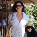 Sofia Milos Grabs Lunch in Beverly Hills - 454 x 597