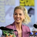 Jenna Elfman – 'Fear the Walking Dead' Panel at Comic Con San Diego 2019 - 454 x 615