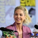 Jenna Elfman – 'Fear the Walking Dead' Panel at Comic Con San Diego 2019 - 454 x 615