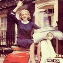 Marlene Dietrich - 454 x 454