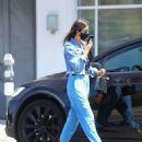 Jessica Alba – In denim jacket out in Los Angeles - 454 x 562