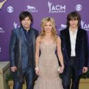 The Band Perry: 2012 ACM Awards Trifecta - 454 x 726