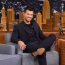 Taylor Lautner stops by on