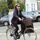 Pippa Middleton on a bike ride in London - 454 x 533