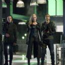 Arrow S06E01 - 454 x 303