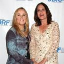 Melissa Etheridge and Linda Wallem - 454 x 528
