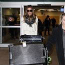 Kate Beckinsale arriving - Vancouver Airport, 28.02.2011