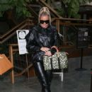 Khloe Kardashian – Goes out for lunch at Plata Taqueria and Cantina in Agoura Hills - 454 x 679