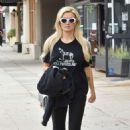 Holly Madison in Leggings – Out in Los Angeles - 454 x 680