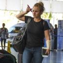 Hayden Panettiere in Jeans at Airport in Barbados - 454 x 525