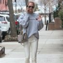 Karlie Kloss is spotted out and about in New York City, New York on January 20, 2017 - 416 x 600