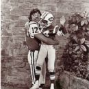 Joe Namath Visits The Brady Bunch - 281 x 320