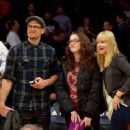 Nick Zano, Kat Dennings and Beth Behrs at the Lakers Game 16/Nov/12 - 454 x 363