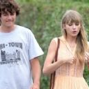 Taylor Swift and Conor Kennedy - 370 x 240