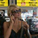 Paris Hilton Stops At The 76 Gas Station In Los Angeles, 2007-11-26