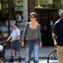 Katie Holmes Loves Her Baggy Jeans In New York City, 2008-08-16